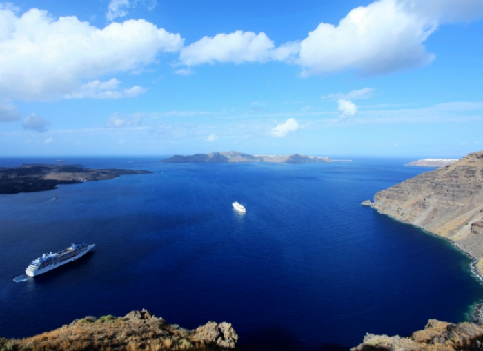 The Jewels of the Aegean Sea - Island Hopping